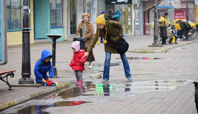 Ploi şi frig, în weekend, la Constanţa - ploisifrig-1614974097.jpg