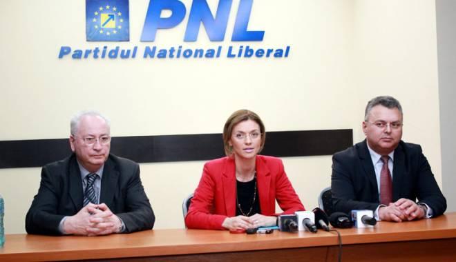 """Foto: PNL Constanța dă cu """"integritatea"""" partidului de pământ. Nu renunță la primarii """"penali"""""""