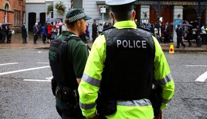 Foto: Anchetă a Poliției din Irlanda, după ce mai mulți români au fost atacați brutal, în casă, cu bâta
