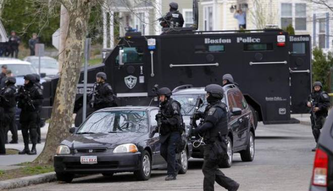 Foto: SCANDAL RASIAL în SUA: Tânăr de culoare ucis de un polițist în Missouri