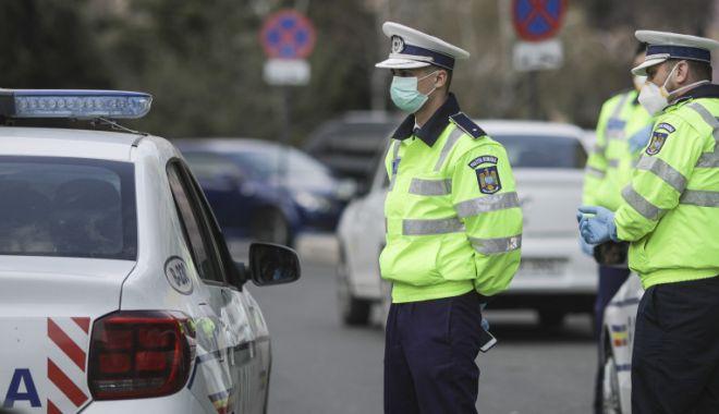Sancţiuni aplicate de polițiști pentru nerespectarea măsurilor epidemiologice - politiacontrolcovid-1606558619.jpg