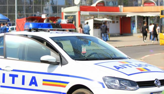 Foto: Obligat de polițiștii din Năvodari să stea departe de propria casă
