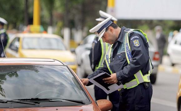 Peste 1700 de amenzi au fost aplicate de polițiști și jandarmi în ultimele 24 de ore - politie01-1594465246.jpg