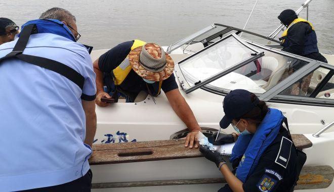Razii pe mare: ambarcațiunile de agrement și pescuit, controlate de polițiști - politienavigatiesursapolitiaroma-1599487023.jpg