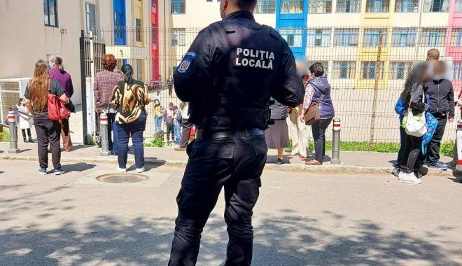 Polițiștii locali, în jurul şcolilor şi grădiniţelor din Constanţa - politistiilocali-1620899448.jpg