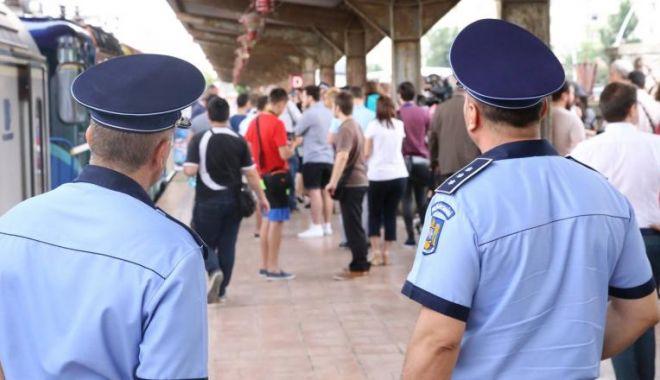 Foto: Zeci de călători de pe trenuri, sancționați deoarece nu aveau măști