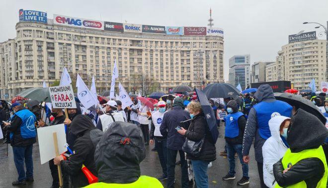 """Polițiștii din Constanța, protestatari în Piața Victoriei: """"Este o batjocură a Guvernului!"""" - politistiprintprotest1-1618420476.jpg"""