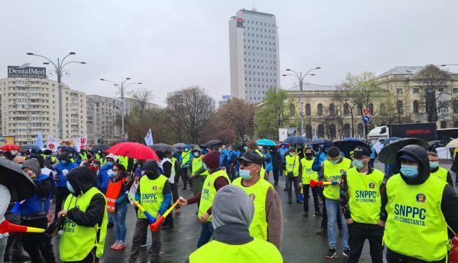 """Polițiștii din Constanța, protestatari în Piața Victoriei: """"Este o batjocură a Guvernului!"""" - politistiprotest3-1618420492.jpg"""