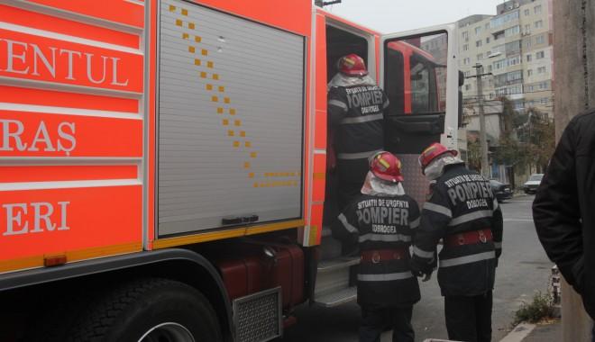 Constănțeancă găsită moartă în casă - pompier-1362913070.jpg
