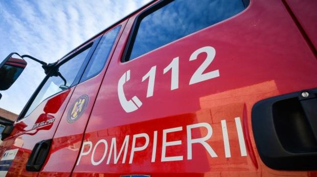Incendiu la un autocar, în județul Constanța - pompieri73668600-1594276140.jpg