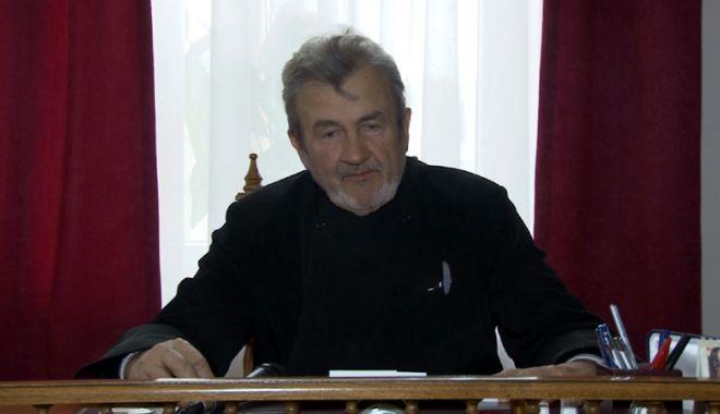 Foto: Preotul Emilian Cornițescu, laureat al premiului Nobel pentru Pace