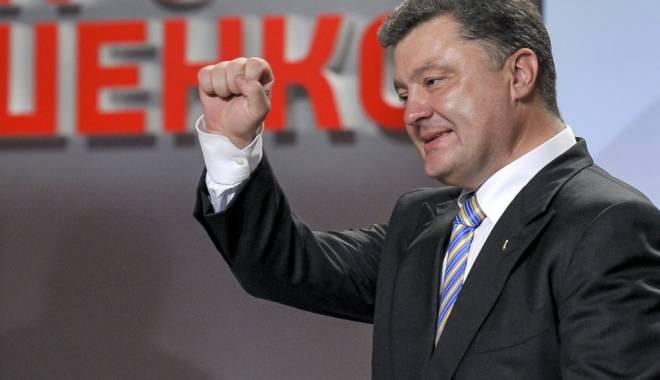 Foto: Petro Poroșenko l-a felicitat telefonic pe Klaus Iohannis și l-a invitat să efectueze o vizită în Ucraina