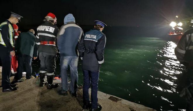 Accidentul din Portul Constanța, o TRAGEDIE. Trupul bărbatului, căutat și de scafandrii militari - port1-1575912030.jpg