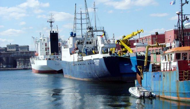 Foto: Porturile maritime românești au manipulat cu aproape 8% mai multe mărfuri