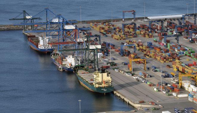 Foto: Potop de investiții în portul Constanța, în 2020