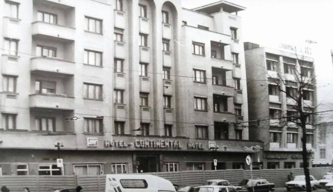 """Foto: Arhiva de Aur """"Cuget Liber"""". Scandalul Continental și ruinele din mijlocul orașului"""