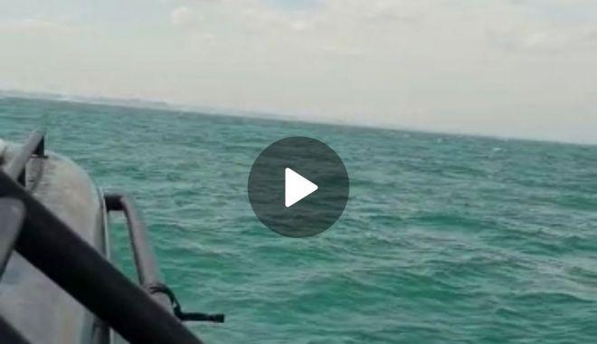 Foto: FOTO / VIDEO. Acțiune de căutare și salvare pe Marea Neagră. Ambarcațiune cu o persoană la bord - DISPĂRUTĂ!