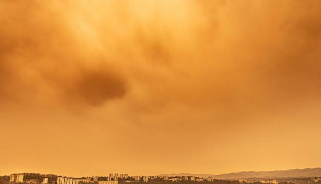 Aveţi probleme respiratorii? Norul de praf saharian a crescut poluarea aerului în Europa - praf-1612880321.jpg