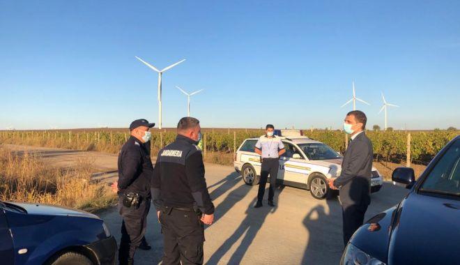 Carantină la Fântânele. Poliţia păzeşte intrarea şi ieşirea din localitate - prefectulfantanele1-1603377694.jpg