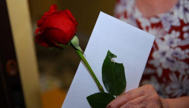 Primăria Constanţa îi premiază pe vârstnici la ei acasă - premiereseniori-1603350003.jpg