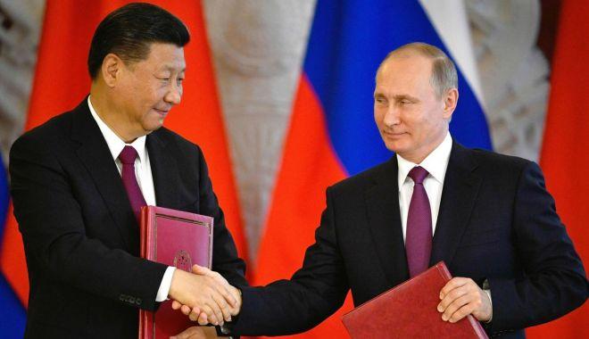 Foto: Președintele chinez începe o vizită de trei zile în Rusia