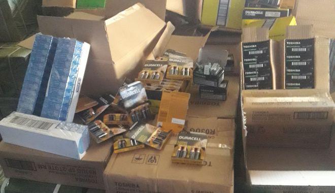 Prezervative și baterii contrafăcute în valoare de 1.626.800 lei, reținute în portul Constanța - prezervativesibateriicontrafacut-1623418190.jpg