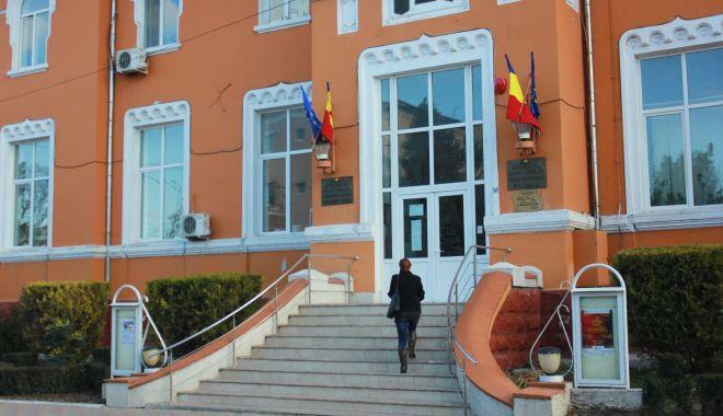 Primăriile din Medgidia și Cernavodă, gazde pentru Avocatul Poporului - primariilegazdeavocatulpoprului1-1557093684.jpg