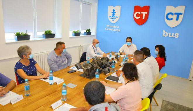 Foto: Primarul Decebal Făgădău, planuri mari pentru CT Bus