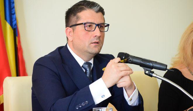 """Foto: Primarul Decebal Făgădău: """"Serviciul de ecarisaj redevine funcțional. Vom încuraja adopția"""""""