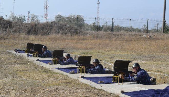 Prima sesiune de tragere, pentru elevii boboci de la Şcoala Militară de Maiştri Militari - primatragere-1602092972.jpg