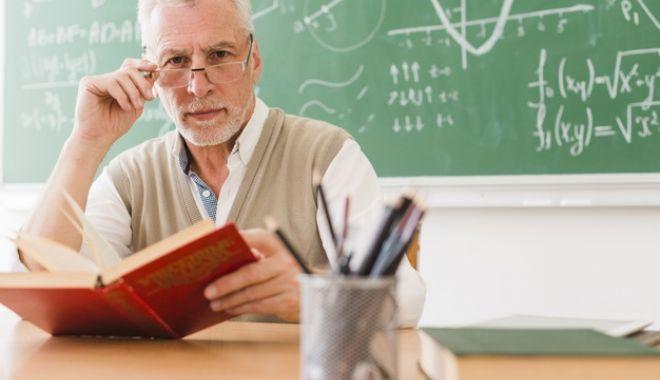 Profesorii pensionari, în vizorul guvernanților.
