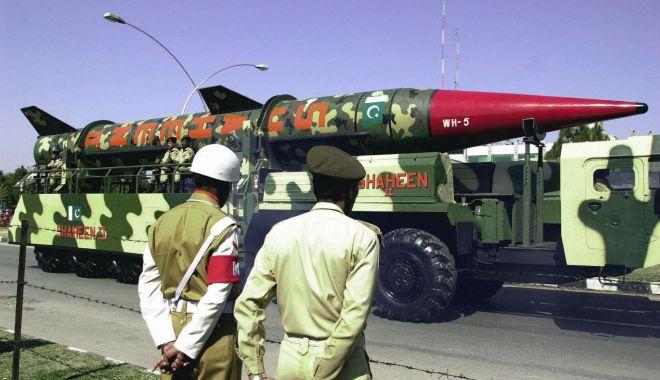 Foto: Programul nuclear iranian. Parisul ridică problema revenirii la sancțiunile ONU