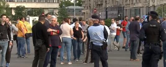 Contestă măsurile în cazul Covid-19! Proteste în Piața Victoriei din București - protest-1589558668.jpg