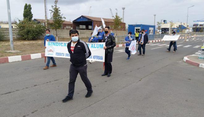 Protestatarii de la ușa companiei CSCT au obținut prima victorie - protestatariidelausacompanieicsc-1600961358.jpg