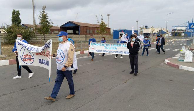 Protestatarii de la ușa companiei CSCT au obținut prima victorie - protestatariidelausacompanieicsc-1600961366.jpg