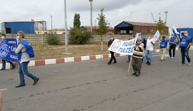Protestatarii de la ușa companiei CSCT au obținut prima victorie - protestatariidelausacompanieicsc-1600961396.jpg