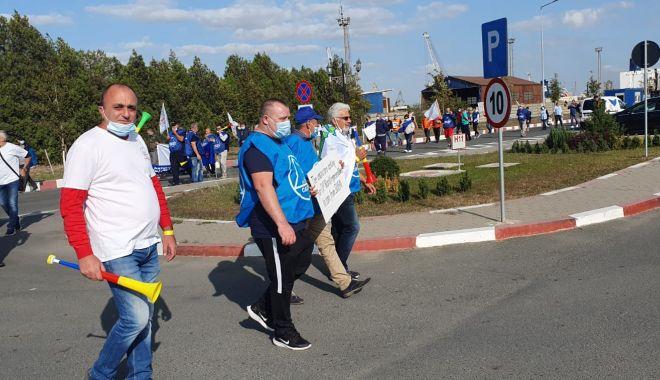 Protestatarii de la ușa companiei CSCT au obținut prima victorie - protestatariidelausacompanieicsc-1600961422.jpg