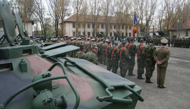Foto: Proteste la Palatul Cotroceni: 80%  din Armata română este inoperabilă