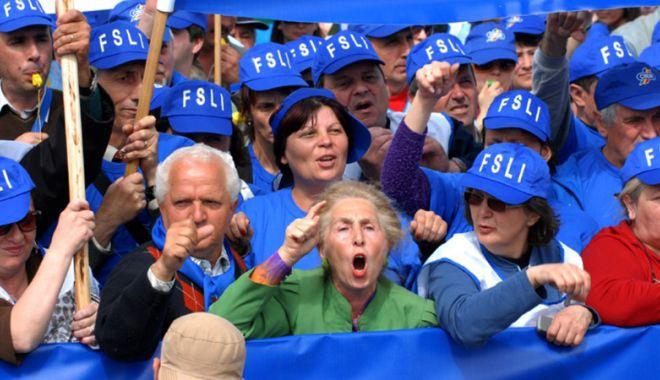 Nu-i de glumă! Se mai face școală în România? Cadrele didactice, hotărâte să intre în grevă - protesteinvatamant2-1518103153.jpg