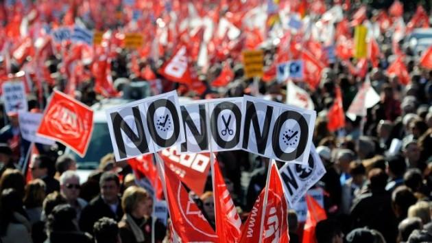 Foto: Proteste la Madrid: Câteva mii de oameni manifestează împotriva măsurilor de austeritate
