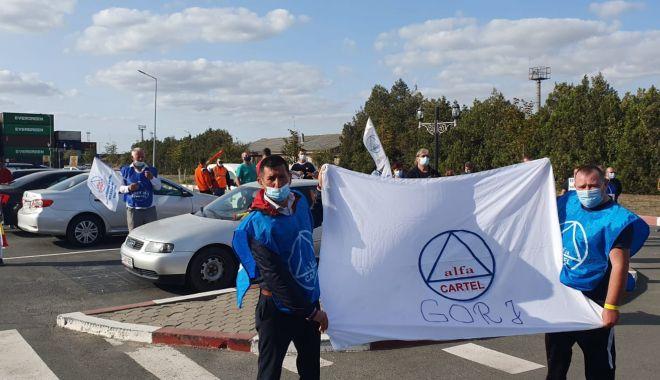 Protestul din portul Constanța se va muta în fața Ambasadei Emiratelor Arabe Unite - protestulportuarilor8-1600884088.jpg