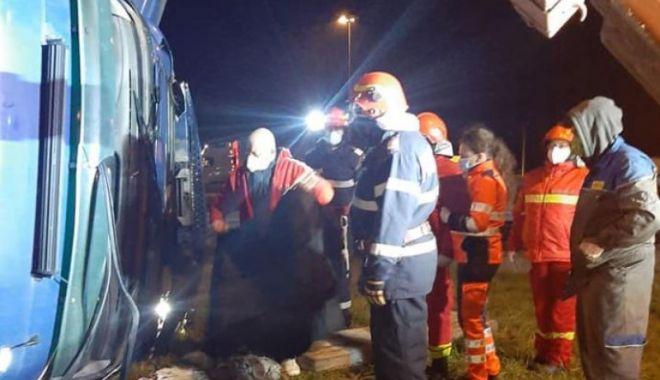 Accident grav pe A1: Un șofer de TIR a murit strivit în cabină - ptllzgywmjezmgy2mtqxnzi5mmq0ogm1-1607178018.jpg