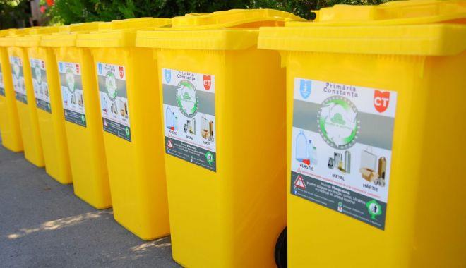 Constănțenii primesc pubele noi pentru colectarea deșeurilor - pubele4-1598553369.jpg