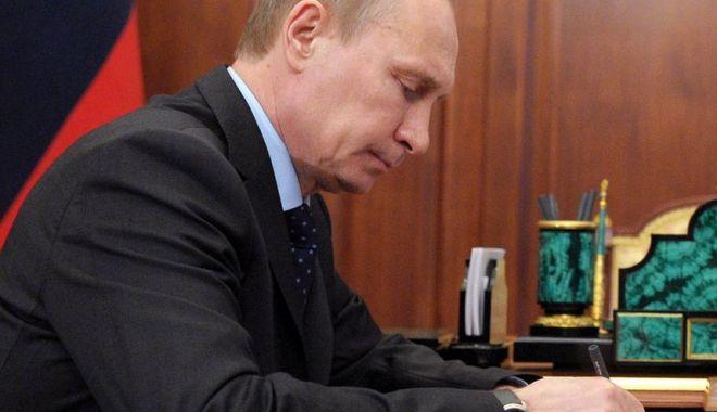 Foto: Putin a promulgat legea care extinde statutul de agent străin la persoane fizice