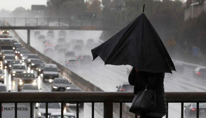 ANM avertizează: Cod galben de furtună, valabile în nouă județe din Muntenia și Dobrogea - rain-1590833960.jpg
