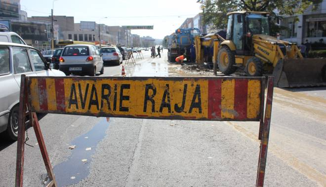 Foto: Atenție, șoferi! Trafic îngreunat pe strada I.L. Caragiale din Constanța. Se lucrează la conductele de apă