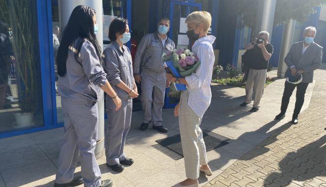 GALERIE FOTO. Ministrul Muncii şi Protecţiei Sociale, Raluca Turcan, în vizită la Şantierul Naval Constanţa - raluca13-1627376247.jpg