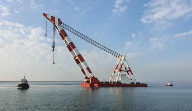 Ultimele pregătiri pentru scoaterea epavei din portul Midia - ranfluaremidiamacarasursagsp-1580063510.jpg