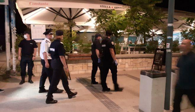 Foto: Control în stațiunea Mamaia: polițiștii au verificat dacă se păstrează distanța socială!