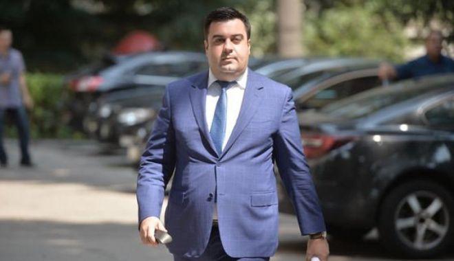 Răzvan Cuc, atac la adresa lui Florin Cîţu în plină campanie electorală - razvancuc-1605456418.jpg